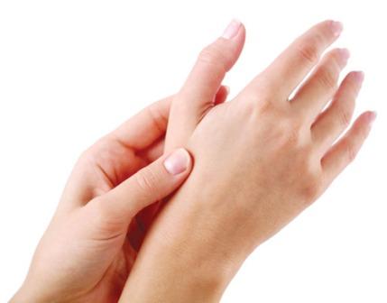 Phương pháp massage bấm huyệt trị tê tay